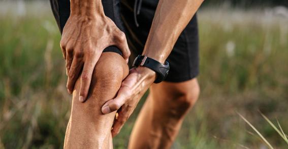 O procedimento permite diagnosticar e tratar os problemas do joelho, oferecendo mais segurança para o médico e pacientes.